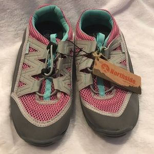 NORTHSIDE NWT's water shoes size 5